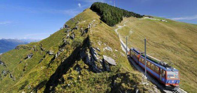 Vista del trenino a cremagliera del monte Generoso accessibile dai nostri appartamenti in affitto a Lugano