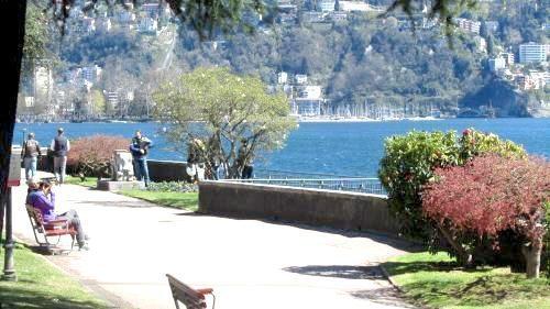 In pensione a lugano in un appartamento in affitto è l'ideale per rilassarsi passeggiando lungo il lago